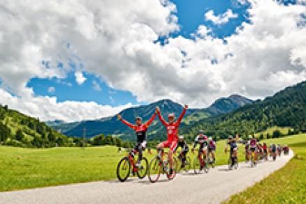 Spannend bis zum Schluss: Dominic Aigner aus Euskirchen dominiert über die 220-km-Strecke