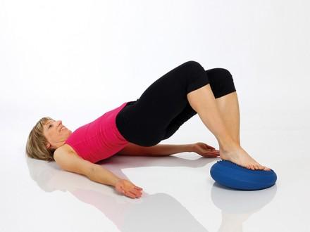 Rücken-Homefitness mit dem Dynair® Ballkissen® – made in Germany  Alltagstaugliches, dynamisches Trainingsgerät gegen Rückenschmerzen