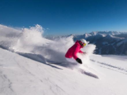 G'scheit Skifahren mit Powder, Parks und coolen Movies